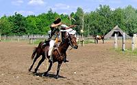 Maďarský lukostřelec na koni z Ópusztaszer